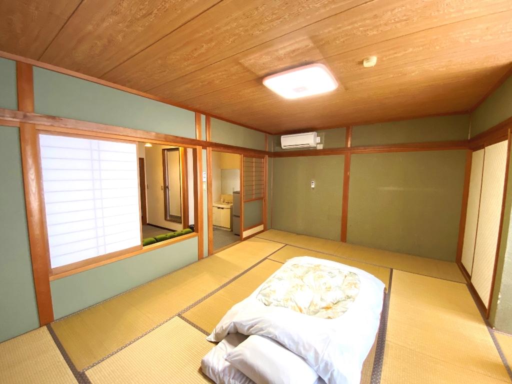 M 本館2F 和室14帖+リビングスペース